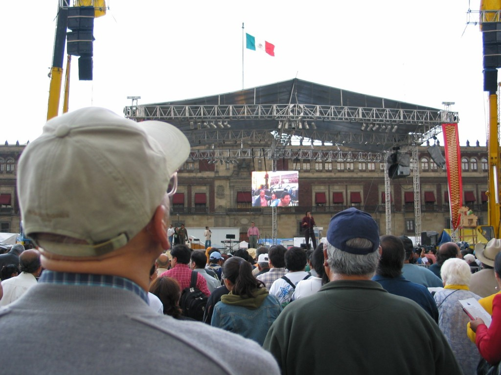 """Tengo un Sueño..."" --- For the past few days daily singing lessons have been preparing the AMLO supporters to sing the song of the movement."